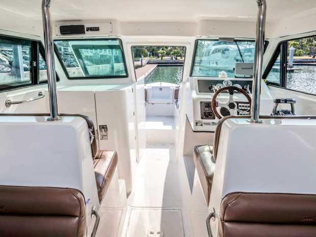 AA-s-seat-40 Interior Pictures 1